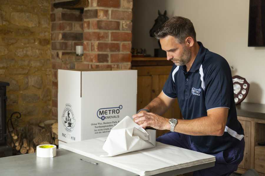 Packing services by Metro