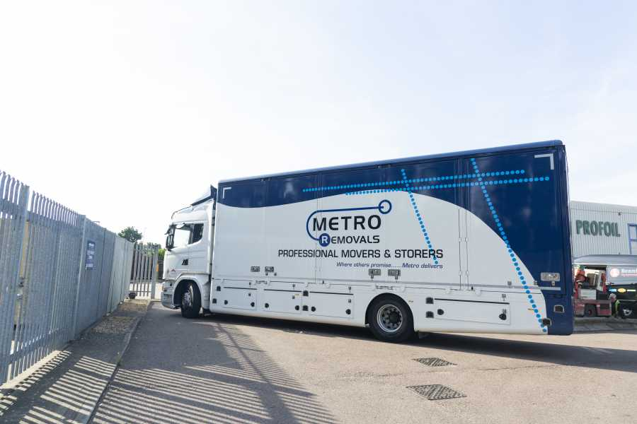 Metro Commercial Removal truck